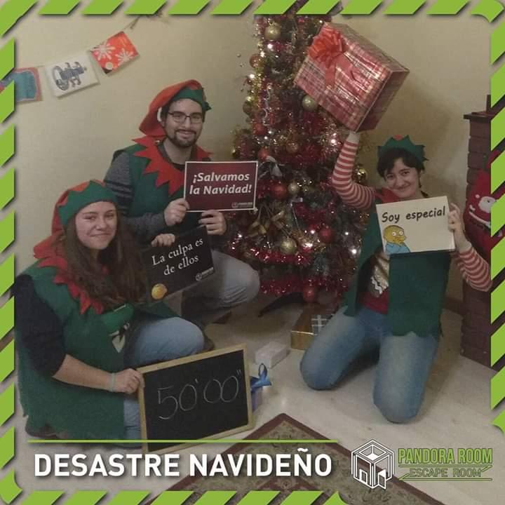 """Desastre navideño"" de Pandora Room"